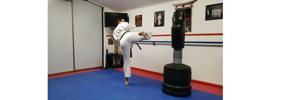 Rotate leg position for the kick